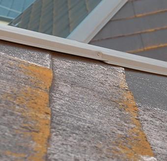 アスベストを含む屋根も、廃材がほぼ出ないカバー工法は最適