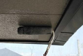 【宮崎県宮崎市】宮脇町にある住宅の106平方メートルある屋根を塗装していきます軒天上塗り_1_確定