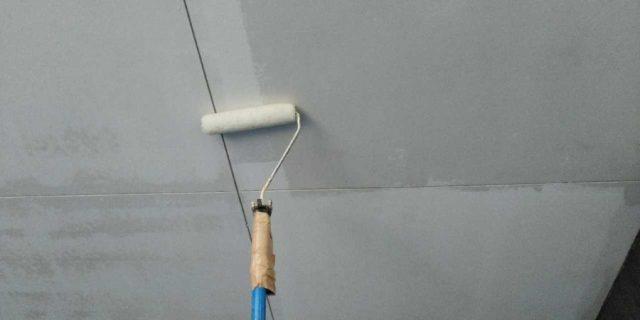 【宮崎県宮崎市】清武町にある35坪の住宅で屋根をセミフロンルーフ(スレートブラック)で塗装していきます!軒天上塗り_1_確定
