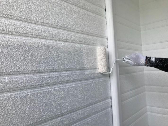 外壁下塗り ローラー塗り