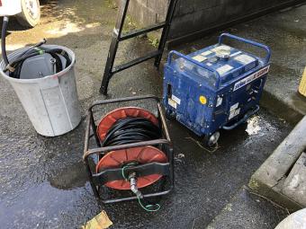 雨樋洗浄 高圧