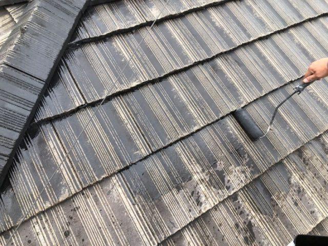 【宮崎県宮崎市】神宮にある59坪の住宅で瓦+ガルバリウム鋼板の屋根と雨戸・雨樋・軒天を塗装します!屋根下塗り_1_確定