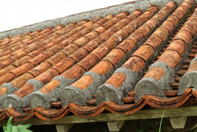 屋根のたわみ