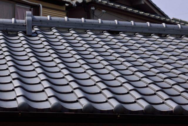 瓦屋根固定の方法とは