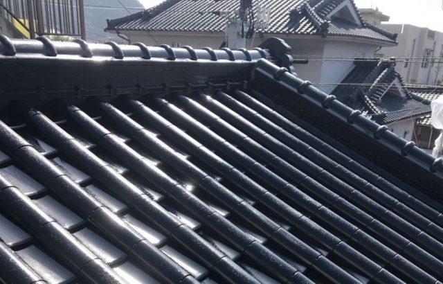 【宮崎地域】瓦屋根の住宅で屋根や付帯部の塗装を行います屋根中塗り
