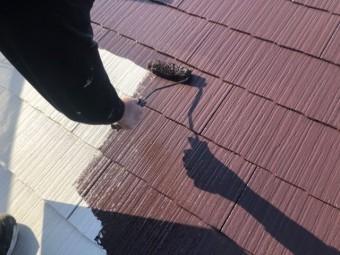【宮崎県宮崎市】学園木花台にある薄いピンク色の住宅で屋根の補修や付帯部の塗装をおこないました!中塗り