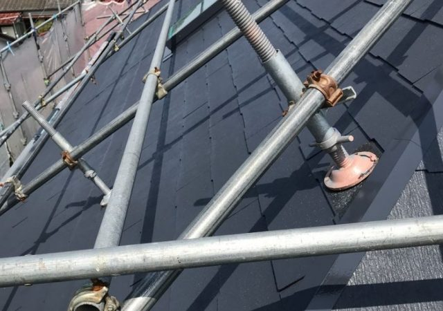 【宮崎県宮崎市】大坪東にある45坪の住宅で120平方メートルのコロニアル屋根と雨戸・雨樋・軒天を塗装します!屋根中塗り_1_確定