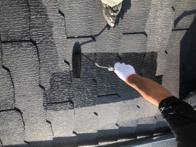 【宮崎県都城市】都北町にある29坪の住宅で98平方メートルのコロニアル屋根と雨戸・雨樋・軒天を塗装します!屋根中塗り_1_確定