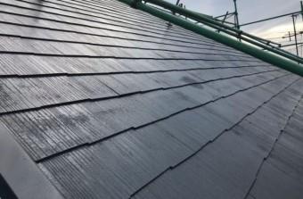 【宮崎県宮崎市】花山手にあるコロニアルの住宅で屋根をブラックに塗装しました!屋根中塗り_1_確定
