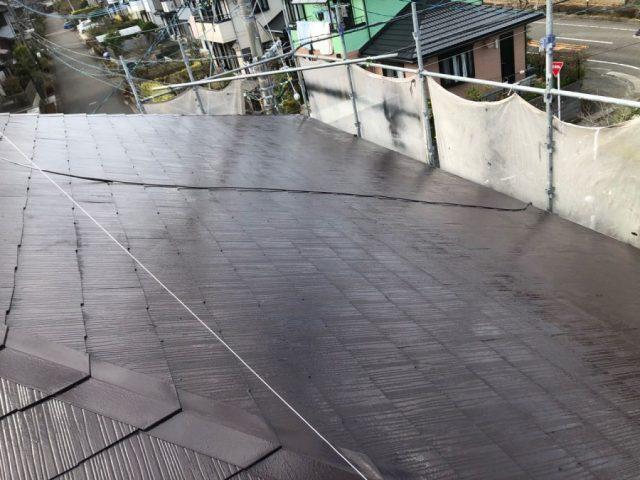 【宮崎県宮崎市】花山手にあるスレート屋根の住宅で屋根を黒系で塗装しました!屋根中塗り_1_確定