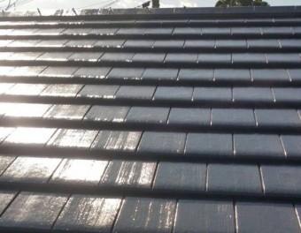 【宮崎県宮崎市】島之内にあるセメント瓦の住宅で車庫の屋根塗装をおこないました!車庫上塗り