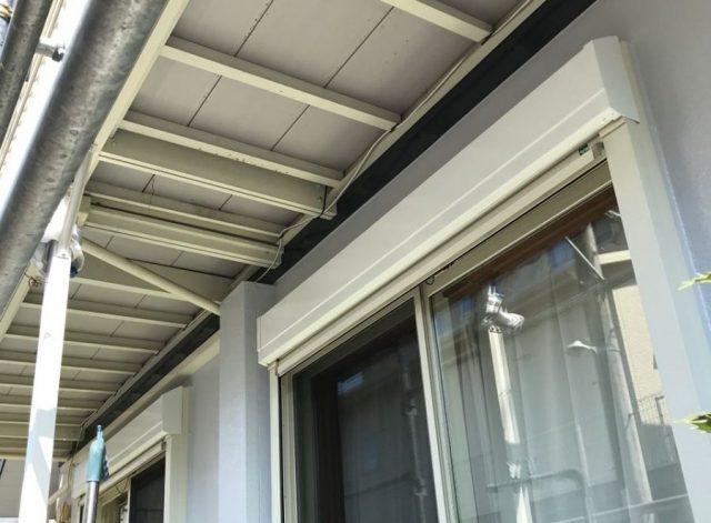 【宮崎県宮崎市】大坪東にある45坪の住宅で120平方メートルのコロニアル屋根と雨戸・雨樋・軒天を塗装します!雨戸上塗り_1_確定