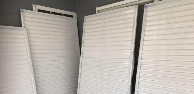 【宮崎県宮崎市】花山手にあるコロニアルの住宅で屋根をブラックに塗装しました!雨戸上塗り_1_確定