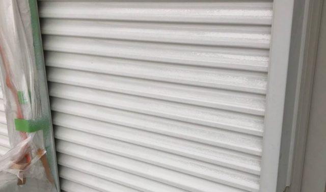 【宮崎県宮崎市】大字恒久にあるセメント瓦の住宅で屋根と付帯部を塗装していきます雨戸
