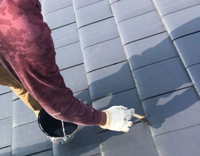 【宮崎県宮崎市】島之内にあるセメント瓦の住宅で車庫の屋根塗装をおこないました!母屋上塗り